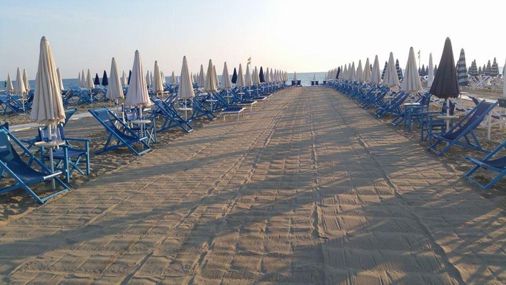 Viareggio spiaggia convenzionata hotel tahiti - Bagno genova viareggio prezzi ...